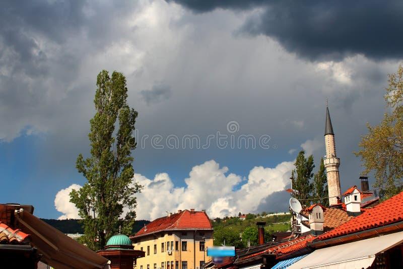 Moské och moln fotografering för bildbyråer