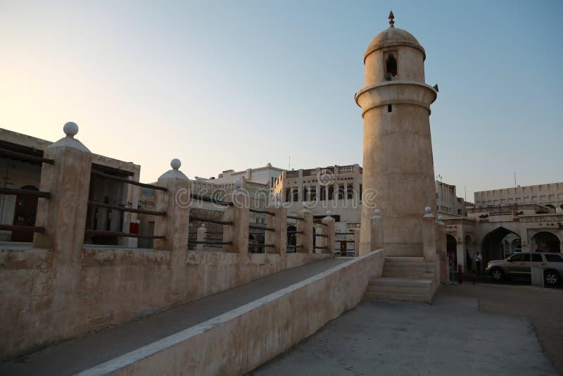 Moské på Souq Waqif, östlig basar i Doha, Qatar royaltyfria foton
