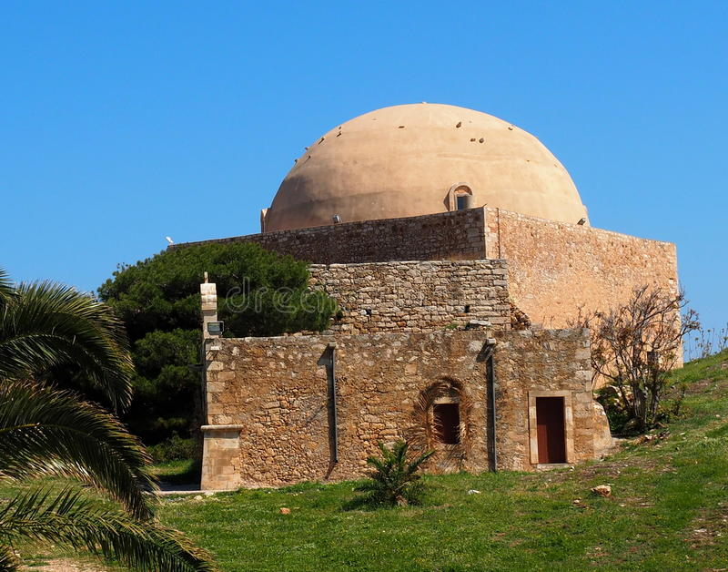 Moskén av det Sultan Ibrahim At The Fortezza Or fortet av den Rethymno Kreta Grekland fotografering för bildbyråer