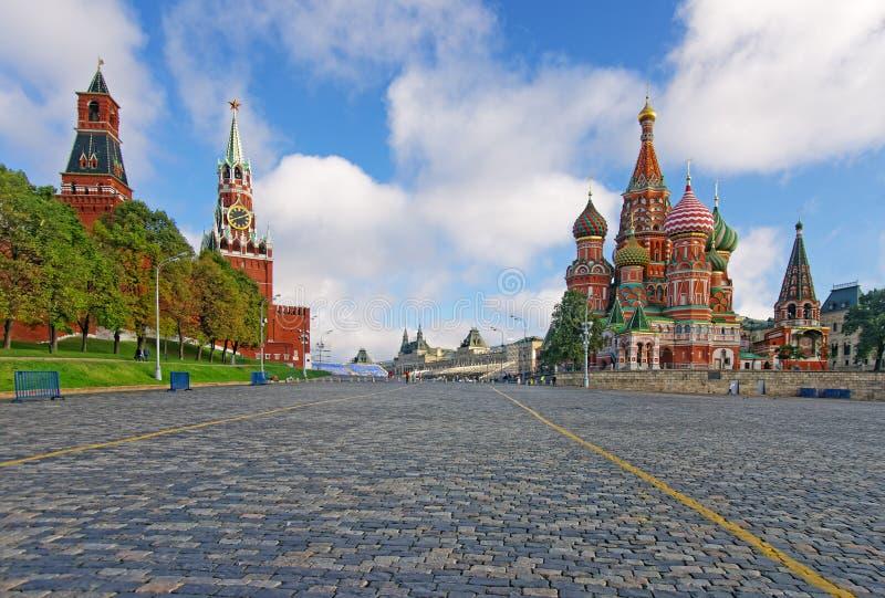 Moskau der Kreml, Roter Platz und Heiliges Basil Cathedral lizenzfreies stockbild