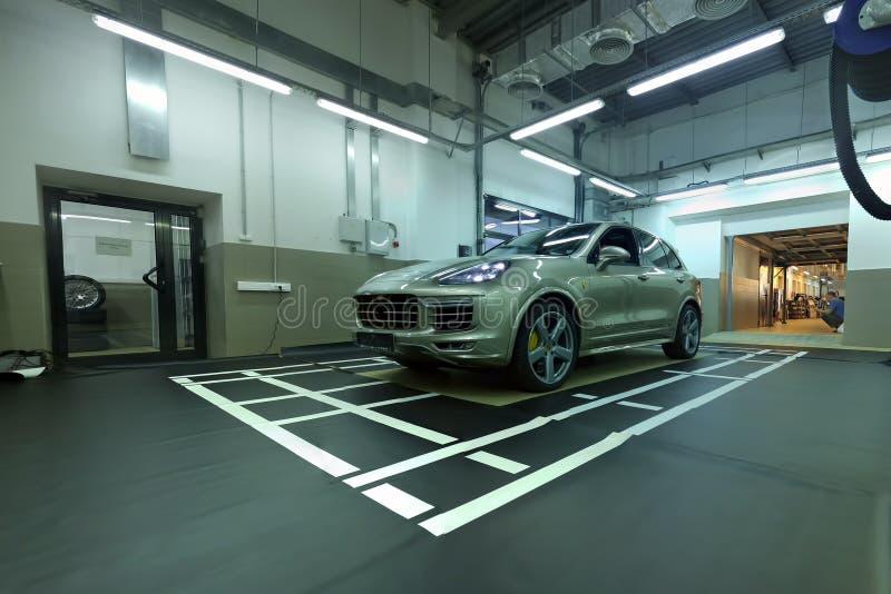 moskau Februar 2019 Mitte Porsche Cayennes im Einsatz Installierung und Kalibrierung von Einfassungsansicht 360 Kamera hintere Fr stockbilder