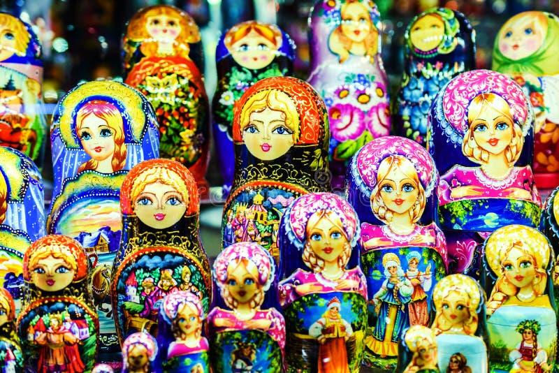 Moskau, Russia - 22 luglio 2016: Bambole russe Matreshka di incastramento immagine stock libera da diritti