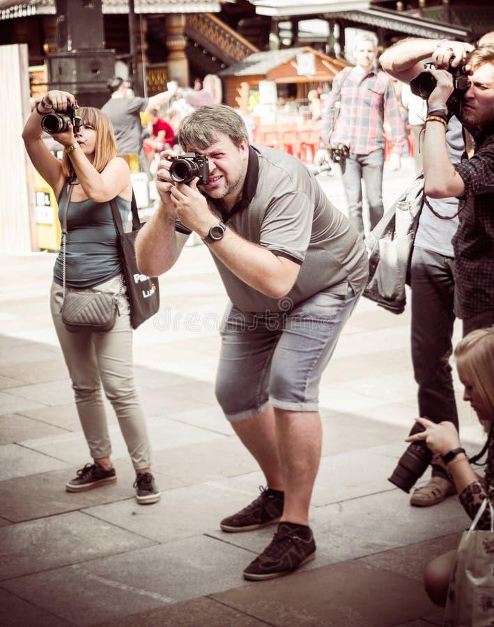 moskau Russland 18. August 2018 Gruppe Fotografen am schießenden Ereignis stockbild