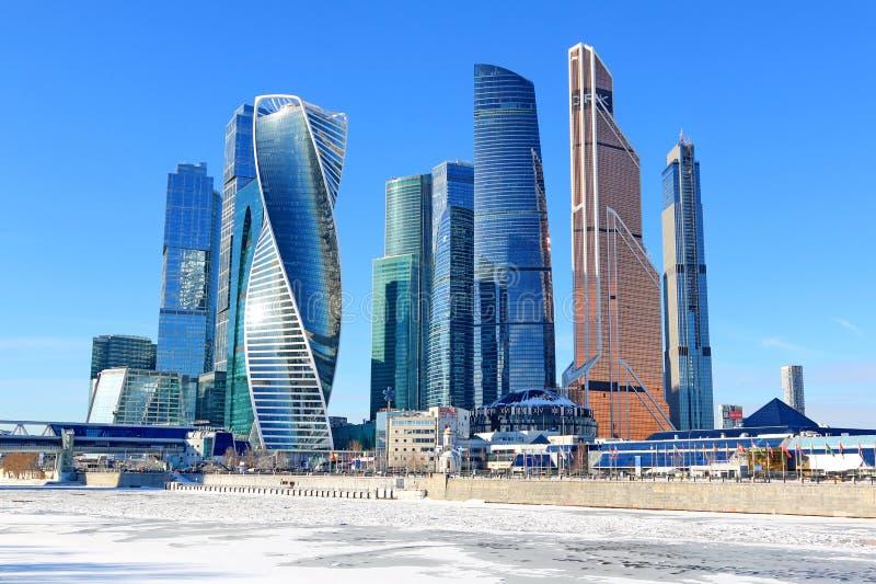 Moskau, Russland - 14. Februar 2019: Geschäftszentrum-Moskau-Stadt Moskaus internationale an einem sonnigen Tag des Winters lizenzfreie stockfotos