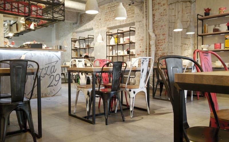 Moskau, Russland - 30. Januar 2017: Innenraum eines Pizzacafés im Stadtzentrum stockfoto