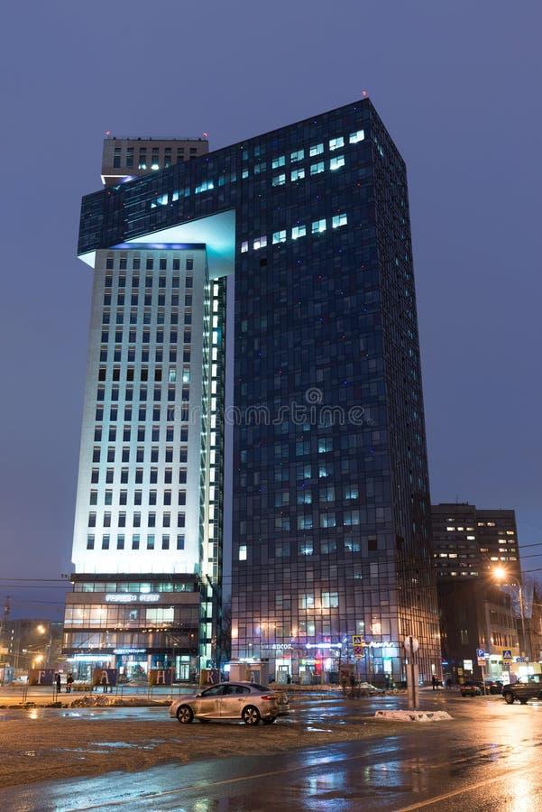 Moskau, Russland - 28. Januar 2017 Modernes Geschäftszentrum Golden Gate, Landstraßen-Enthusiasten lizenzfreies stockbild