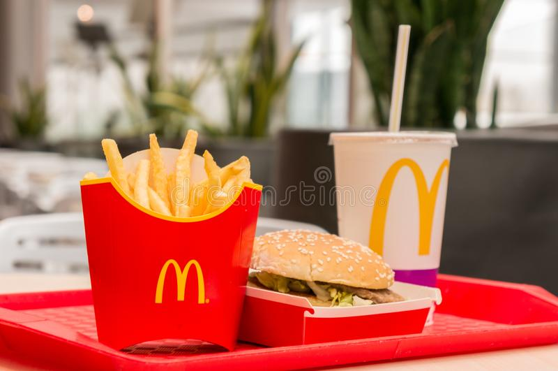 Moskau, Russland, Am 15. März 2018: McDonald-` S Big Mac-Hamburger ...