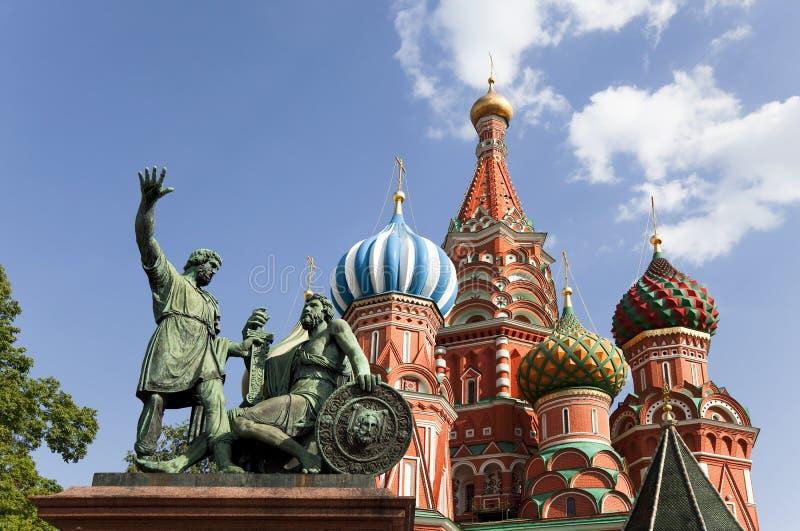 Moskau. Das Monument zu Minin und zu Pozharsky auf rotem Quadrat lizenzfreie stockfotografie
