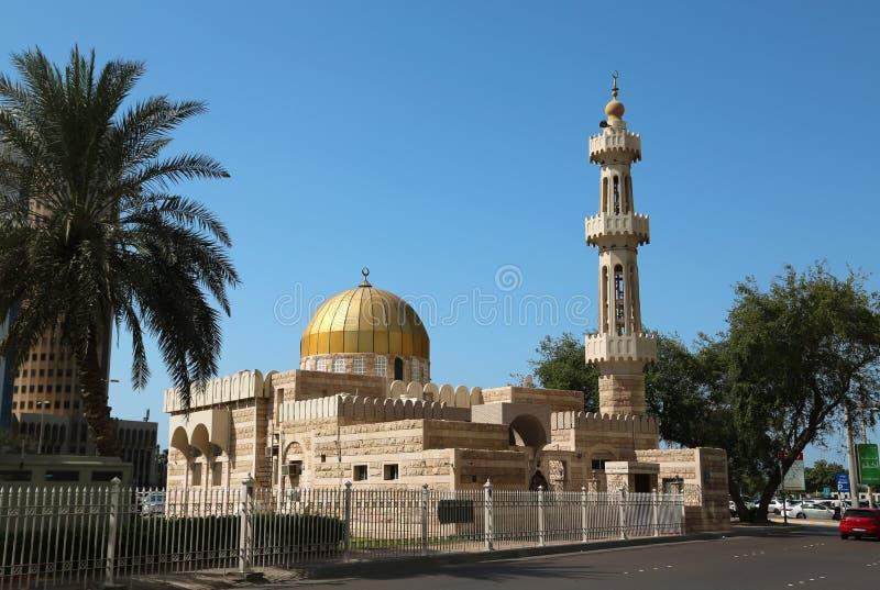 Moskee in Abu Dhabi - kapitaal van de Verenigde Arabische Emiraten stock fotografie