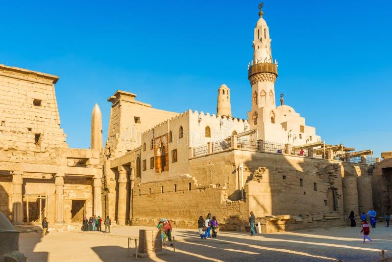 Moskee bij Luxor-Tempel in Egypte stock foto