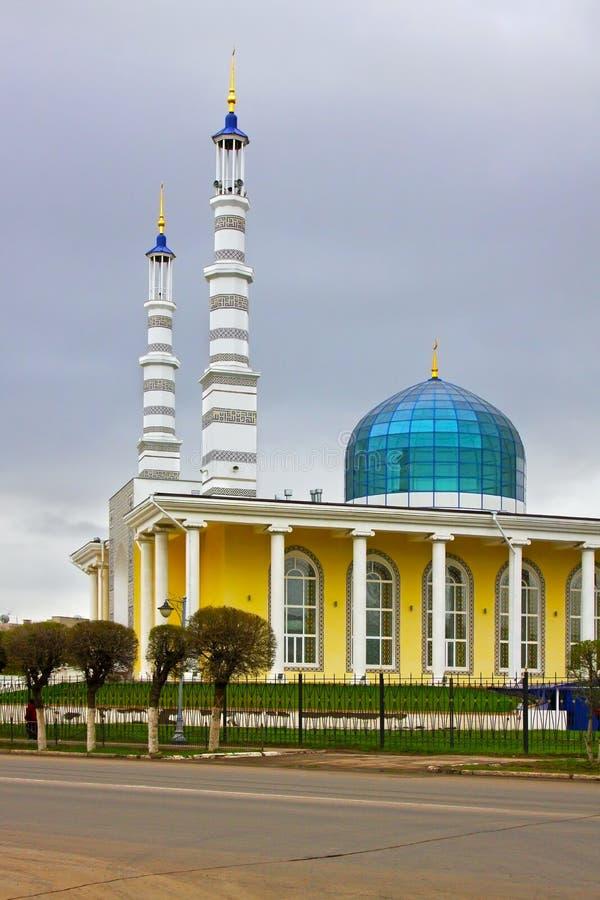 Moskee in de stad van Uralsk, Kazachstan stock afbeeldingen