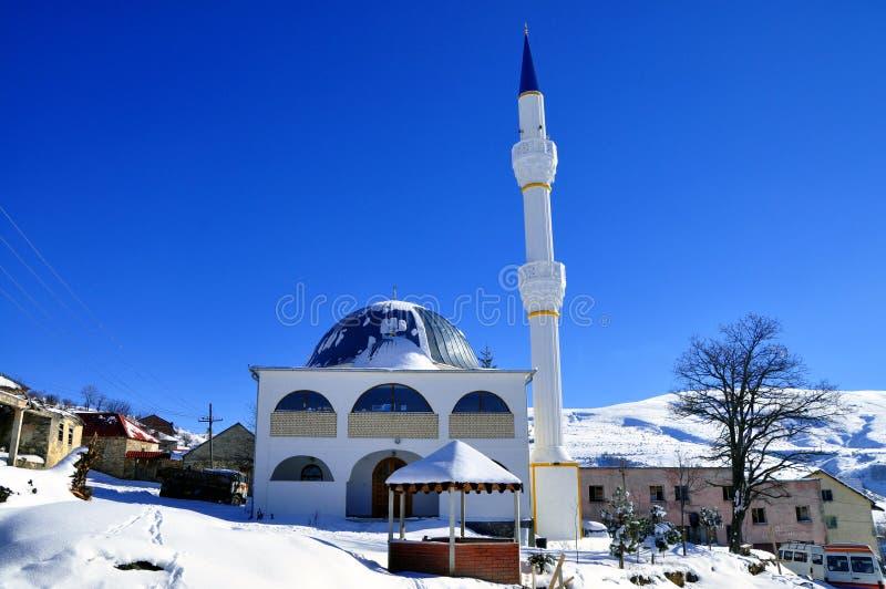 Moskee en blauwe hemel stock fotografie