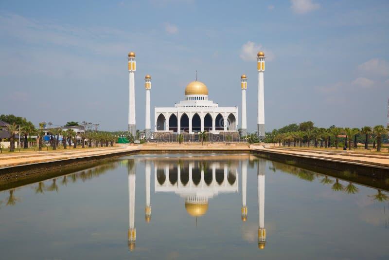 Moskee in zuidelijk van Thailand, Centrale moskee voor gebeden en het grootste deel van moslim als aan gebeden god bij moskee stock fotografie