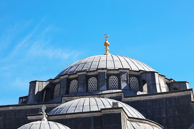 Moskees en Blauwe Hemel stock afbeelding
