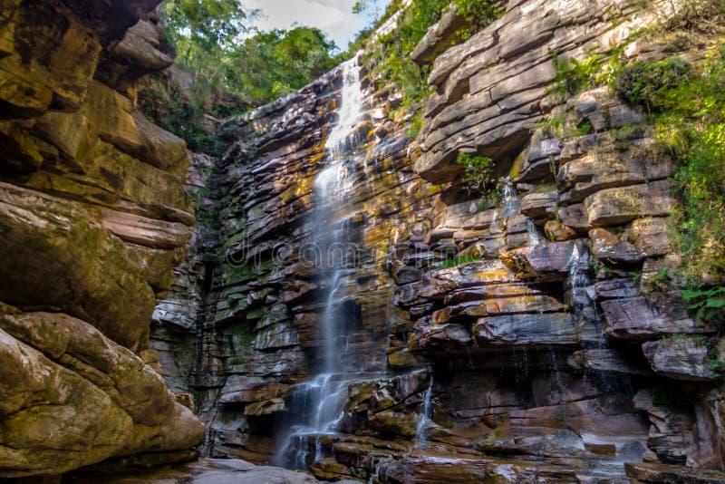 Moskito-Wasserfall in Chapada Diamantina - Bahia, Brasilien lizenzfreie stockfotos
