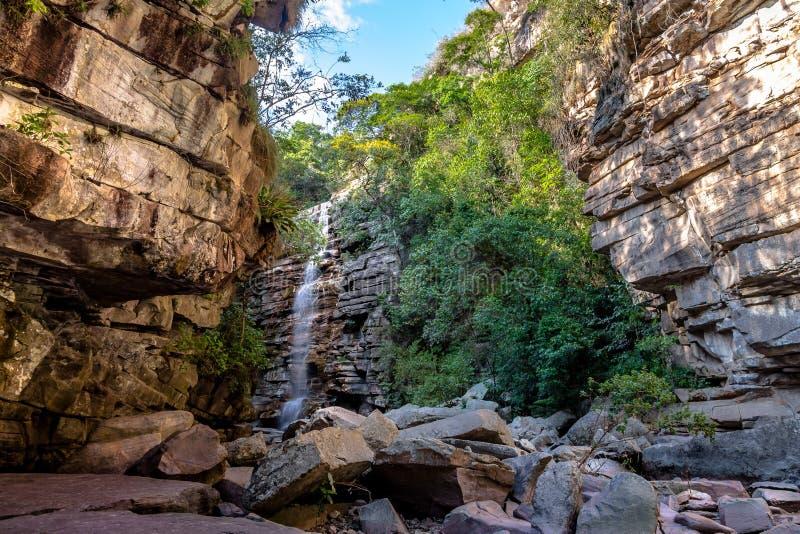 Moskito-Wasserfall in Chapada Diamantina - Bahia, Brasilien stockfotos