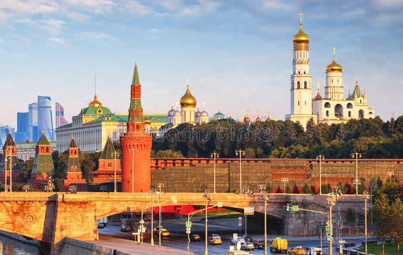 Moskou het Kremlin bij zonsopgang, Rusland royalty-vrije stock afbeelding