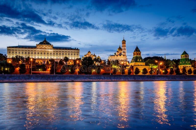 Moskou het Kremlin en de Rivier van Moskou royalty-vrije stock foto's