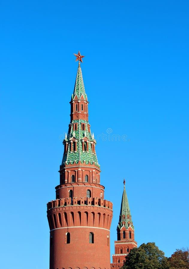 Moskou het Kremlin op een zonnige dag stock foto