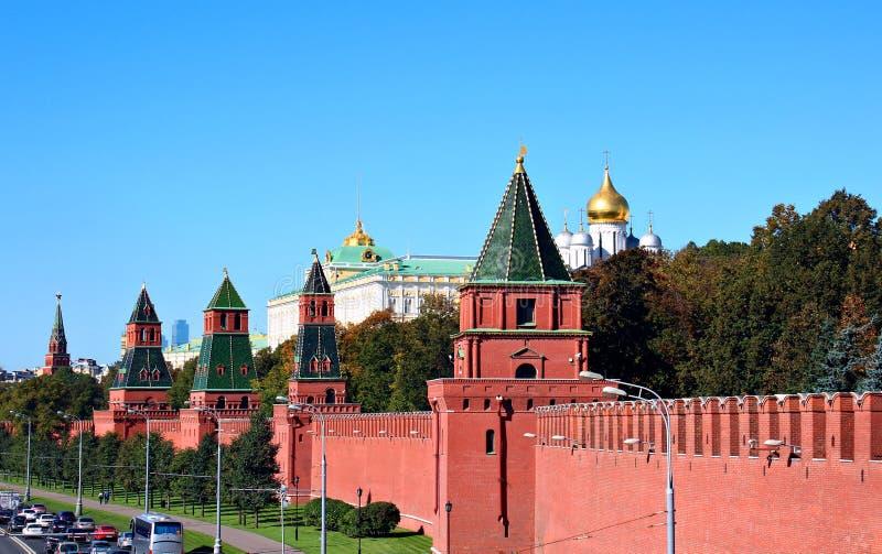 Moskou het Kremlin op een zonnige dag stock afbeelding