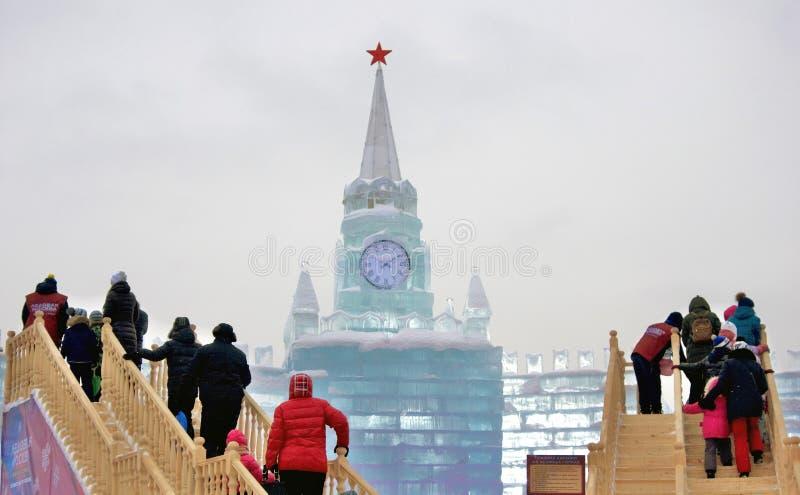 Moskou het Kremlin van ijs wordt gemaakt dat