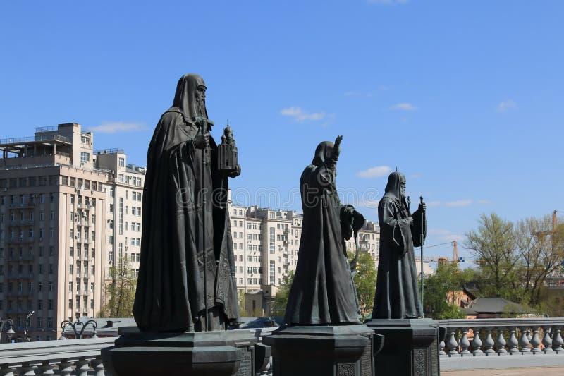 Moskou, Rusland – April 29, 2019: Monumenten aan de beroemde Patriarchen van de Russische Orthodoxe Kerk stock fotografie