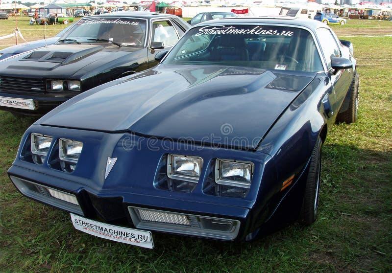 MOSKOU, RUSLAND - Juli 15, 2008: De Formuletentoonstelling ` Autoexotic 2008 ` van Pontiac Frebird stock afbeeldingen