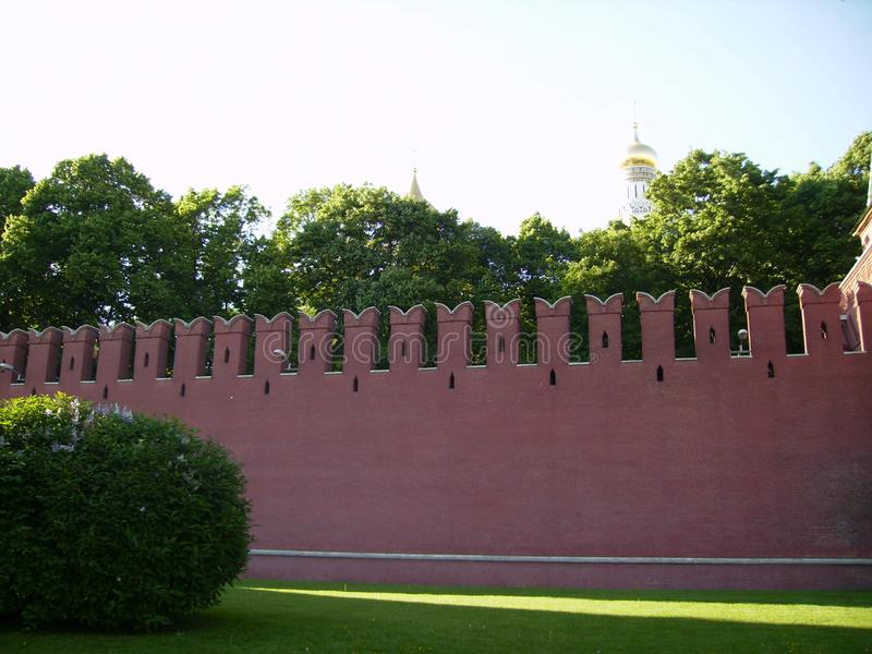 Moskou, Rusland - 1 Juni 2009: De Muur van het Kremlin stock fotografie