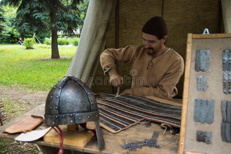 Moskou, Rusland - Juni 2019: Historische festivaltijden en tijdvakken Wederopbouw van het leven en oorlogen royalty-vrije stock foto's