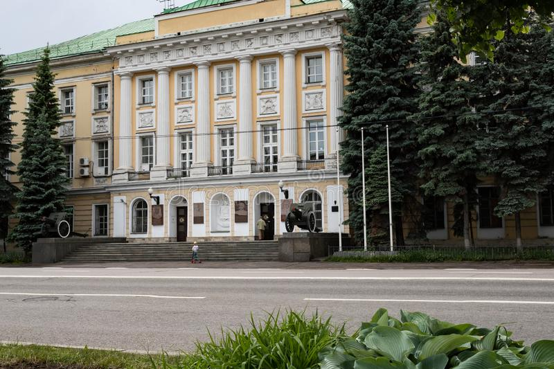 Moskou, Rusland kan 25, 2019, een historisch monument van de 18de eeuw de bouw van de militaire Afdeling, het vroegere Paleis royalty-vrije stock foto's