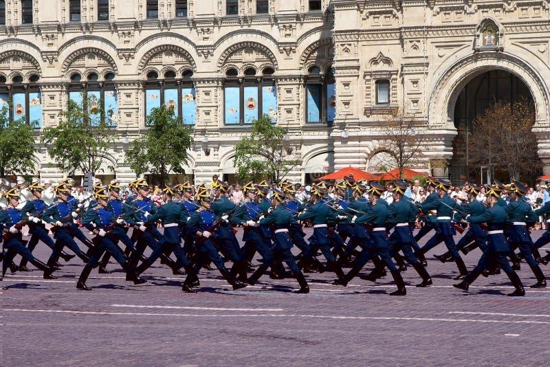 Moskou, Rusland, kan 26, 2007 Russische scène: de wachten van het scheidingspaard in Moskou het Kremlin op het rode vierkant royalty-vrije stock afbeeldingen