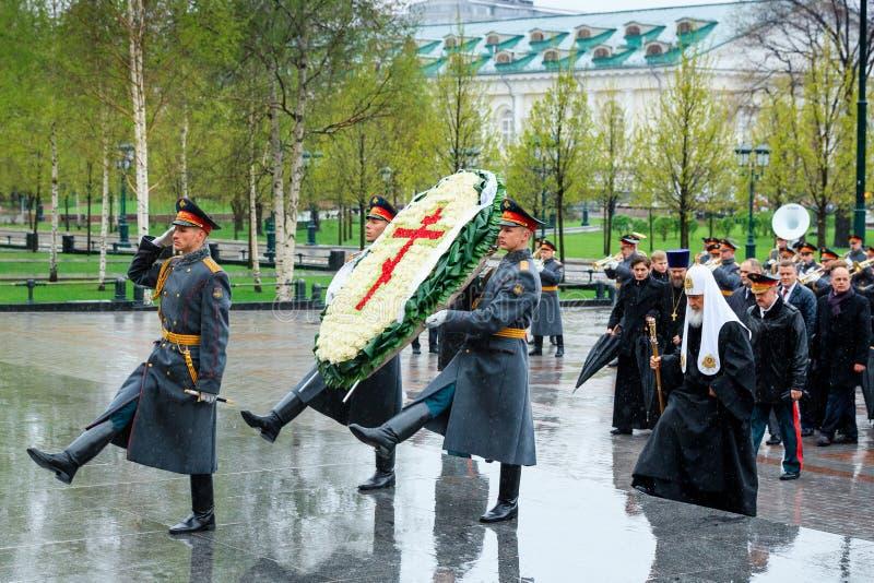 MOSKOU, RUSLAND - MEI 08, 2017: De patriarch van Moskou en al Rus ` KIRILL en de HOGERE GEESTELIJKHEID van de Russische Orthodoxe royalty-vrije stock afbeelding