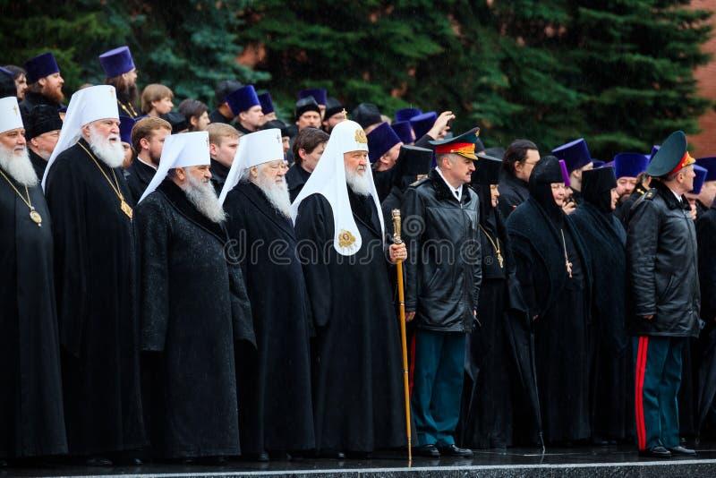 MOSKOU, RUSLAND - MEI 08, 2017: De patriarch van Moskou en al Rus ` KIRILL en de HOGERE GEESTELIJKHEID van de Russische Orthodoxe stock foto
