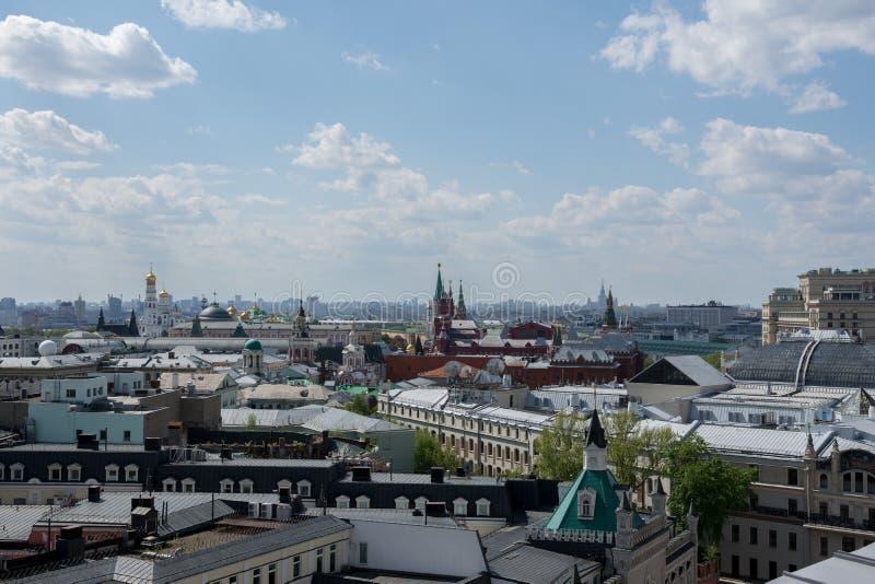 Moskou, Rusland 6 Mei, het Weergeven van 2019 van het centrum van Moskou van het observatiedek van het winkelcentrum royalty-vrije stock afbeeldingen