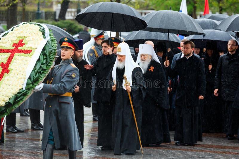 MOSKOU, RUSLAND - MEI 08, 2017: Patriarch van Moskou en al Rus ` KIRILL en de HOGERE GEESTELIJKHEID van de Russische Orthodoxe ge royalty-vrije stock afbeelding