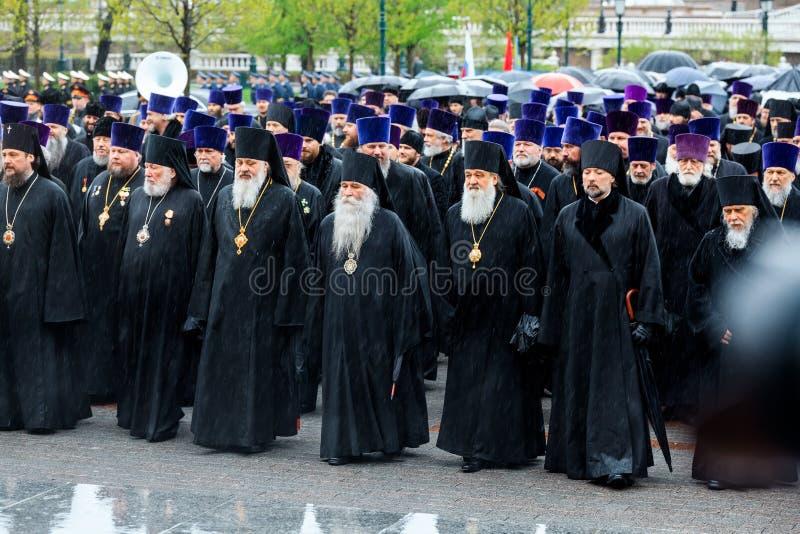 MOSKOU, RUSLAND - MEI 08, 2017: Patriarch van Moskou en al Rus ` KIRILL en de HOGERE GEESTELIJKHEID van de Russische Orthodoxe ge royalty-vrije stock afbeeldingen