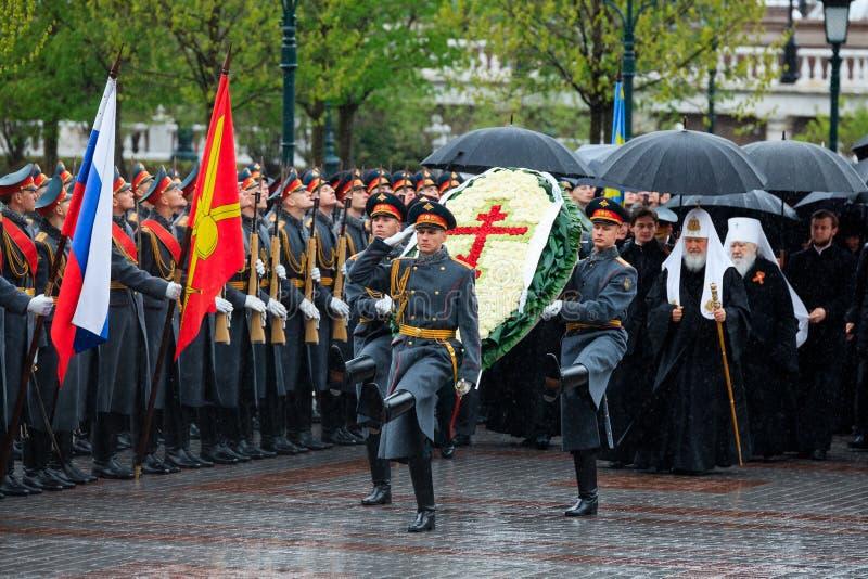 MOSKOU, RUSLAND - MEI 08, 2017: Patriarch van Moskou en al Rus ` KIRILL en de HOGERE GEESTELIJKHEID van de Russische Orthodoxe ge stock afbeelding
