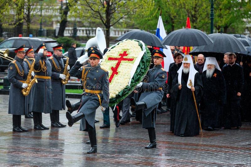 MOSKOU, RUSLAND - MEI 08, 2017: Patriarch van Moskou en al Rus ` KIRILL en de HOGERE GEESTELIJKHEID van de Russische Orthodoxe ge stock foto