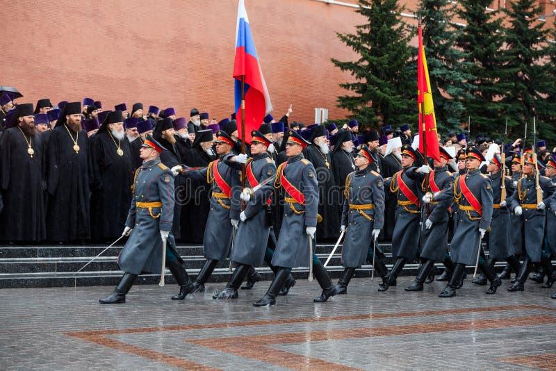 MOSKOU, RUSLAND - MEI 08, 2017: Patriarch van Moskou en al Rus ` KIRILL en de HOGERE GEESTELIJKHEID van de Russische Orthodoxe ge royalty-vrije stock foto