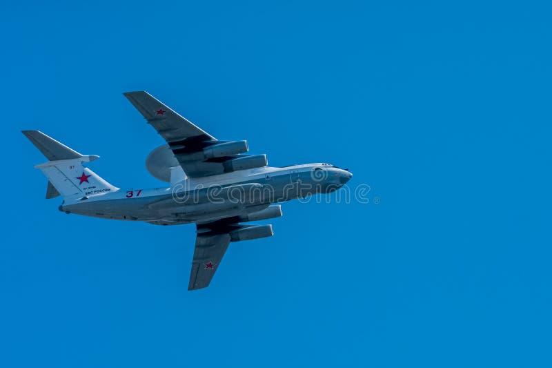 Moskou, Rusland - Mei 09, 2014: Rf-93966 Russische FederatieLuchtmacht Beriev a-50U Een luchtvaartdeel van Overwinningsparade 201 royalty-vrije stock afbeelding