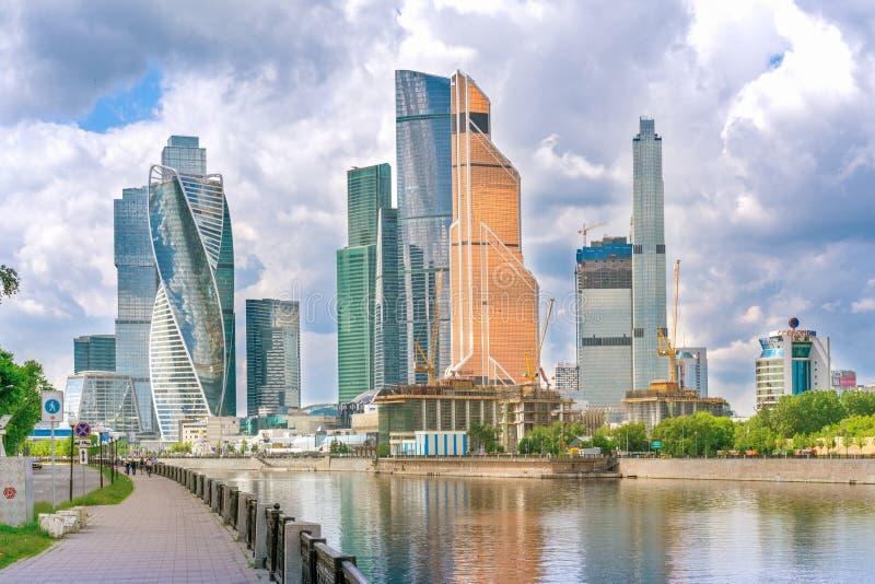 Moskou, Rusland - Mei 26, 2019: Torens van het commerciële van Moskou internationale centrum stock afbeeldingen