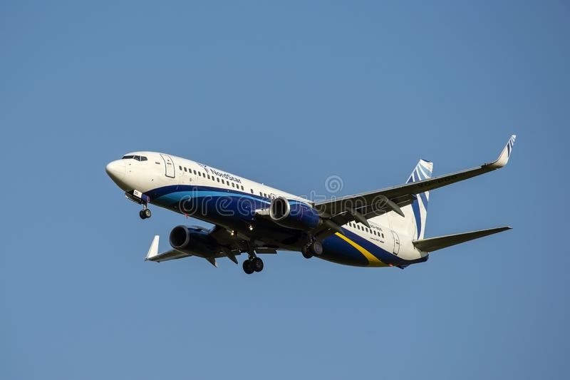 Moskou, 02 Rusland-September, 2018: Domodedovoluchthaven, Boeing 737-800 Nord-de vliegtuigenland van Sterluchtvaartlijnen stock foto's