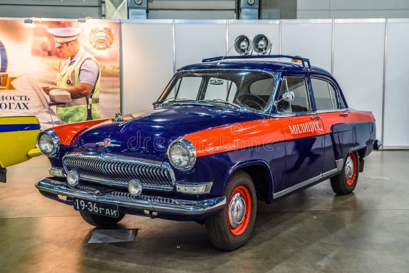 MOSKVA - AUGUSTI 2016: Polisen för milis som GAZ-21 framläggas på MIAS Moscow International Automobile Salon på Augusti 20, 2016  royaltyfria foton