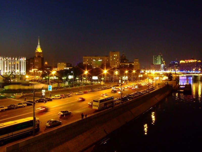 Moskva flodbank i Moskva royaltyfria bilder