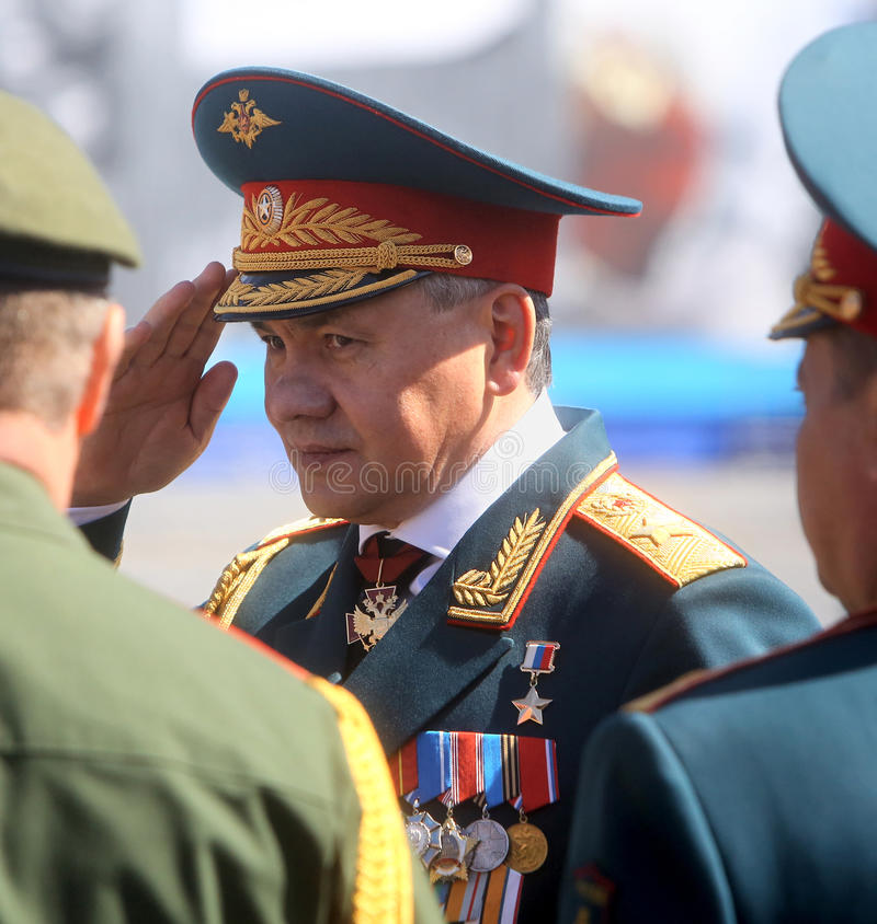 MOSKVA 07 MAJ, 2015: Försvarsminister armégeneral Sergei Shoigu arkivfoton