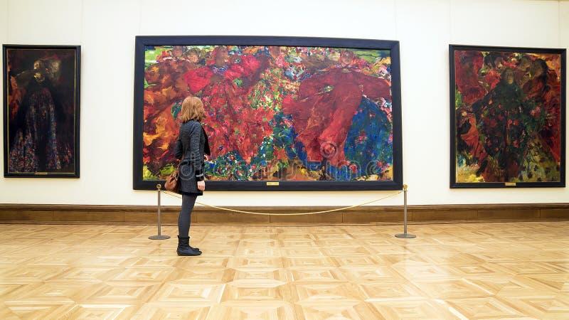 MOSKVA RUSSIA-MARCH 1: Den statliga Tretyakoven Art Gallery i Mosco arkivfoton