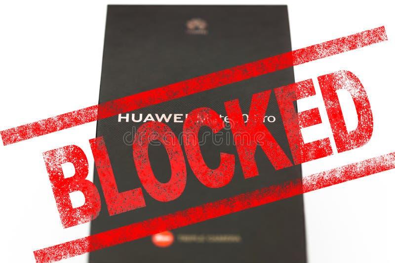 MOSKVA RYSK FEDERATION - Maj 24, 2019: Efter trumfadministration tillfoga Huawei till handlar svartlistar, Google har inst?llt bu arkivfoto
