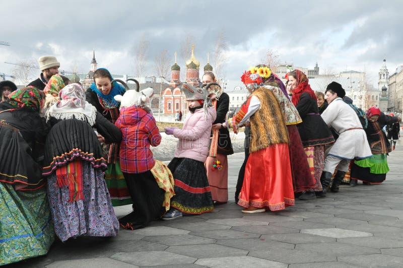 Moskva rysk federation, mars 10, 2019: Maslenitsa i mitten av den ryska huvudstaden arkivbild