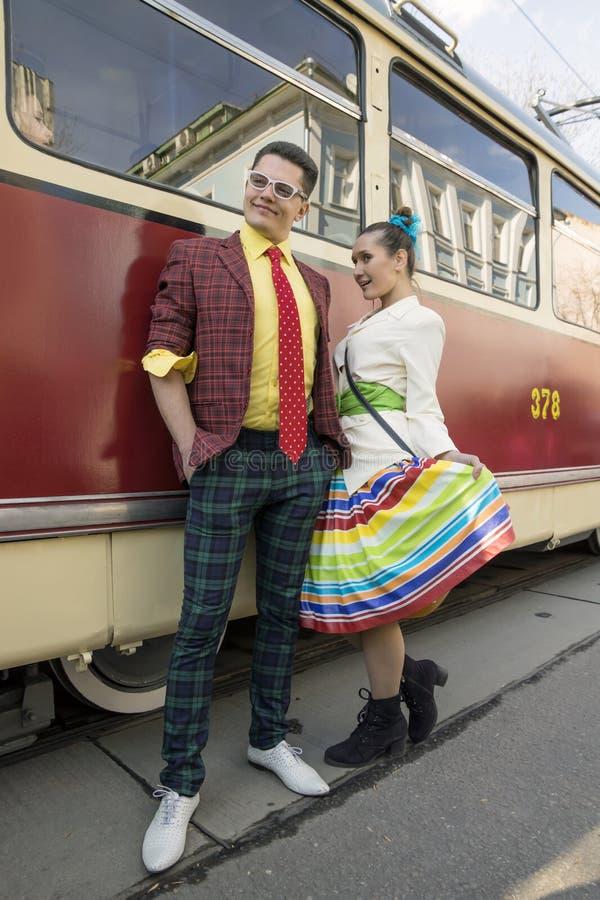 MOSKVA Ryssland-April 12 Ståta spårvagnar som är hängivna till 115. royaltyfria foton