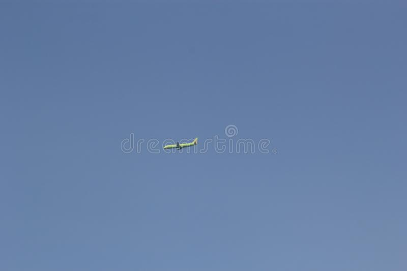 Moskva Ryssland-kan 30, 2015: Nivå i himlen S7 Airlines arkivfoto